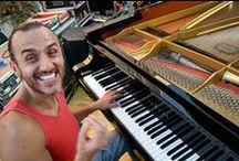 """Ettore Carucci / Pianista jazz e compositore. Diplomatosi in pianoforte classico, grazie alla sua versatilità è riuscito a conquistare prestigiosi palchi che, in un susseguirsi di esperienze sempre più gratificanti, lo hanno portato a collaborare e a suonare con i migliori jazzisti di fama internazionale. Docente presso il """"Saint Louis College Of Music"""" di Roma. Ha registrato 8 dischi come bandleader e 50 come sideman."""
