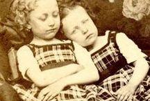 """Sinun jälkeesi, Max / Esikoisromaanini Sinun jälkeesi Max ilmestyi vuonna 2009. Se oli tarina siamilaisista kaksosista Maxista ja Isaacista, jotka seikkailivat vuosien 1899-1932 Euroopassa. Nämä kuvat on koottu kirjan ilmestymisen jälkeen, mutta niissä on jotain samaa kuin kirjassa.  My debutant novel, entitled Sinun jälkeesi, Max (""""After you, Max"""", 2009), tells the story of Siamese twin brothers living in the early 20th century. This pictures have been collected after my novel, but maybe they have something same."""