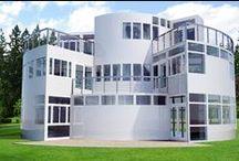 Fiberglass House Design / This is a design for a prefabricated modular fiberglass house.