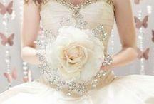 Brides | Eternal Bouquet / Noivas | O Bouquet Eterno http://wp.me/p4afax-Cl https://www.facebook.com/urbanglamourous #AFestadeCasamento, #AtelierAndreaFigueiredo, #Bouquet, #Casamento, #Glamour, #OneWed, #Wedding, #WeddinginSummer