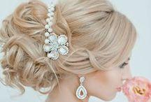 Brides | Perfect Hairstyle / Noivas | O Penteado Perfeito Brides | Perfect Hairstyle http://wp.me/p4afax-Cu #Accessories, #Acessórios, #Beauty, #Beleza, #Bride, #Cabelo, #Casamento, #DicaparaNoivas, #Glamour, #Hairstyle, #Noiva, #Tiaras, #Véu, #Veil, #Wedding