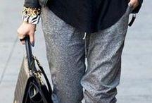 Jogging Pants / Muitas dirão que já passou de moda as calças jogging com um estilo sem ser desportivo. Porém, para quem está grávida ou, por algum motivo precisa de usar calças mais confortáveis, estas continuam a ser uma óptima opção. Porque a moda cada uma de nós a inventa à nossa maneira e que mais nos dê conforto. https://urbanglamourous.wordpress.com/…/…/23/calcas-jogging/ #Calças, #Clothing, #Desportivas, #Fashion, #Glamour, #Jogging, #Looks, #Moda, #Pants, #Roupa