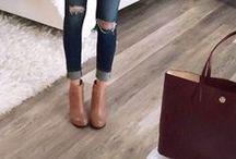 Essential Shoes / Os Sapatos Essenciais Para Qualquer Mulher https://urbanglamourous.wordpress.com/…/os-sapatos-essenci…/ #Alpercatas, #AnkleBoots, #BalletFlats, #botaspretas, #BrownThongSandal, #ClassicBlackPump, #Espadrilles, #Fashion, #Moda, #Nudeheels, #Oxford, #Peeptoenude, #Sabrina, #Sandálias, #SandáliasMetálicas, #Sapatos, #Scarpin, #Shoes, #TallStilettoBoot, #Ténis