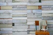 papel pintado con tablones de madera - scrapwood wallpaper / nos encantan las madera decapadas y las madera recicladas y nos chifla el papel pintado con tablones de madera