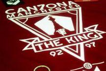 Eric Cantona / Here we put image from our tshirts and photos about Eric Cantona (the King).  Aquí tendréis todos nuestros diseños tanto de camisetas, como fotografías sobre este magnífico futbolista.