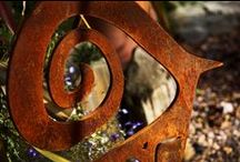 Rusted Metal Garden Sculpture / Contemporary garden art and sculptures crafted form rusted metal.