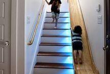 escaleras. Subir y bajar. - Up and down