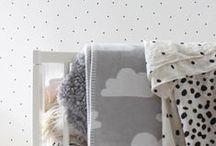 papeles pintados con lunares - dots wallpaper / nos encanta decorar las paredes con lunares, los  papeles pintados con lunares son divertidisimos