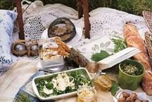 Picnic Food / Fabulous ideas to make your picnic a great success. Interesting and unusual dishes to make, you'll never have boring ham sandwiches again!