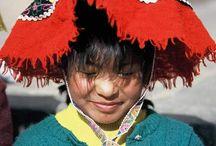 Chapeaux péruviens / Etonnés de voir la richesse des couvre chef péruvien, nous avons voulu partager nos spécimens dénichés sur internet. Du chapeau encore et encore. De toutes les couleurs et de toutes les formes.