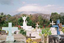 Cimetières du monde/Cimeteries / Découvrez les plus beaux, les plus étranges ou insolites cimetières à travers le monde. Une manière d'en connaître plus sur les traditions et culture d'un pays.