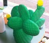 Lampe cactus Goodnight light 95€ / Nouveau luminaire incontournable, la lampe cactus. Après ses fameuses lampes en forme d'ananas, Goodnight Light propose ce cactus lumineux pour illuminer et décorer votre intérieur de manière originale.