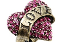 I love Jewelry <3 / by Contesa Evans Garni