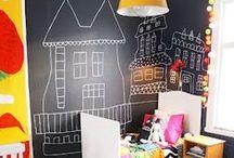 Tableau Noir / Quand le tableau s'invite dans l'univers des enfants, cela donne des idées déco originales et très pratiques.
