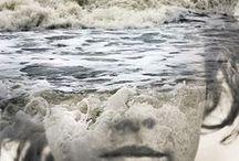 Eaux vives... / Juste pour avoir à l'esprit le bruit de l'eau, vague qui divague, ruisseau qui murmure, torrent qui gronde, source qui goutte à goutte... L'eau de vie de la planète