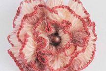 Aplikácie - hačkované a pletené / Hačkované,pletené kvety, srdiečka, mašličky atď