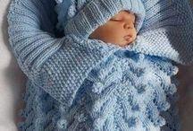 Kojenecké deky a fusaky / Hačkované a pletené detské deky a saky pre novonarodencov
