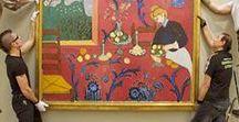 Museuminrichting / Sinds 2007 assisteert Atelier Kunst & Ko in nauwe samenwerking met Tactica Art bij het inrichten van tentoonstellingen voor gerenommeerde musea zoals het Cobra Museum, de Hermitage, het Teylers Museum, de Nieuwe Kerk, het Allard Pierson Museum, het Rijksmuseum, het Bonnefanten Museum en het Amsterdam Museum. Meer info: www.kunstenko.nl