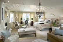 Master Bedroom Inspirations / Trying to find the best look for your Master Bedroom? Here are a few amazing ideas you could recreate at home!