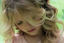 pretty little girl / natural beauty