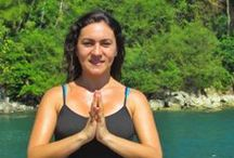 Yoga con Cyn / Yoga Classes at Manuel Antonio, Costa Rica.