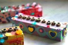 Hanukkah Crafts for Kids / Find some of our favorite DIY Hanukkah decoration and craft ideas for kids.