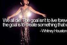 Whitney Houston / Zij is 1 van mijn favoriete zangeressen waar ik veel verdriet heb gehad toen ze stierf... R.i.p. Whitney!