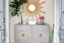 Entryway Ideas / Ideas, tips and trick - how to style a functional and beautiful entrance.