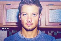 Jeremy Renner / by Male Hotties