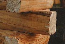 """Cabañas de Troncos / Empresa """"Casa de Troncos"""". Se puede ver el tipico cruce de troncos macizos que caracteriza nuestro sistema constructivo. Pueden ver mas detalle en www.casadetroncos.com o en nuestro Facebook"""