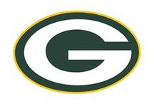 Green Bay Packers / Sports fan gear for the Green Bay Packers football fan.  Bedding, game day gear, decals, party supplies, gifts and other collectible sports merchandise at Team Sports.