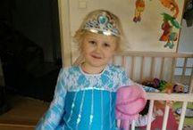 Elsa Frozen Dress / Tips and ideas - DIYs - for the Elsa dress from the Disney movie Frozen.