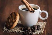 A cup of Te@? cOffEE?? / Une tasse de thé, de chocolat...with croissants or cookies?? So gOOd!, et joli avec ça!!!
