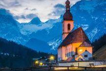 Kirchen /  Kleine Kirchen auf dem Lande und Holzkirchen