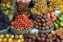 Exotische Früchte, Gemüse und Gewürze / Um Essbares