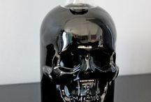 SKULLTURE / Everything skulls
