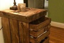 Pallet Projects / Pallets are usually free and there are endless ideas of what to create with them! Pallet projects. Pallet tips. Pallet DIY. Pallet furniture.