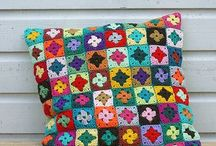 granny squares & african flowers etc / by Villapellava