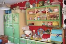 The Vintage Kitchen / All things Vintage Kitchen! / by Linda Gilliam