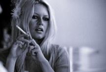 Smoking Girls / Smoking girls