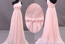 Dresses / by Maria Perez