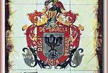 ESCUDOS HERÁLDICOS / Para decoración. Todo tipo de escudos heráldicos con el linaje de apellido. Pintados a mano sobre papel pergamino o porcelana o impresos sobre cartulina y azulejos cerámicos