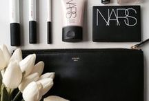 Makeup / Makeup products and looks that we absolutely love!