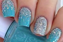 Let It Go! Frozen Themed Nail Art / Because some nail designs are worth melting for!