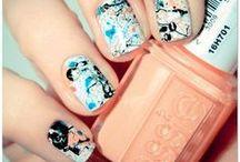 SPLAT! / <3 artistic splatter nail art
