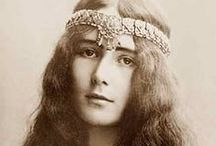 george sand / The lovely and amazing female French writer, and lover and supporter of the pianiste et compositeur éblouissant, Frédéric Chopin.