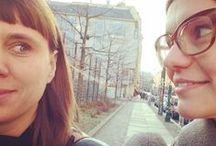 team // von ERIKA / #christina #tanja #berlin #startup #designer #havingfun #weloveourjob #homeoffice #onthefly #action // #wirliebenunserenjob #immerunterwegs #altbau #jugendstil