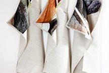 towel // von ERIKA / #nature #photography #illustration #kitchen #towel #kitchentowel #vegan #pine #moss #squirrel #fawn // #natur #fotografie #zeichnung #küche #handtuch #öko #bio #pinie #rinde #moos #kitz