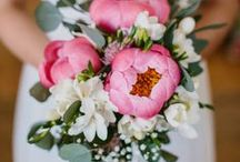 Wedding Bouquets / A Flower Cannot Blossom Without Sunshine