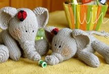 Crochet & knitting Amigurumi y muñecos / by Silvia Vanessa Carrillo Lazo